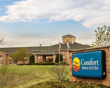 Comfort Inn & Suites in Fenton, Michigan