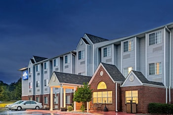 Microtel Inn & Suites by Wyndham Statesville in Statesville, North Carolina
