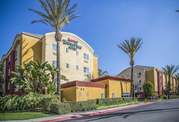 TownePlace Suites by Marriott Anaheim Maingate/Angel Field