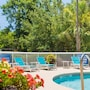 Holiday Inn Express Charleston photo 25/40