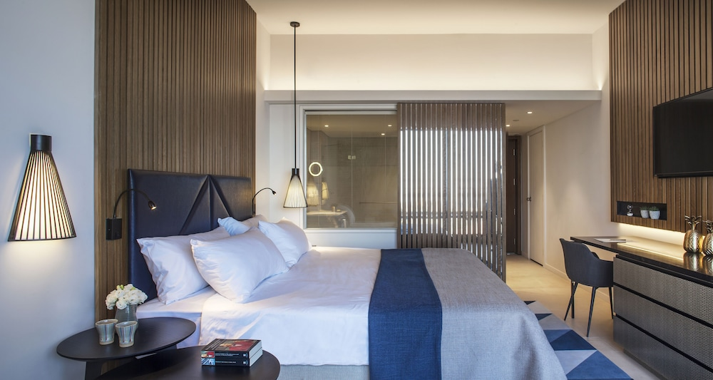 Dan Accadia Hotel