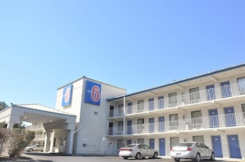 Motel 6 Raleigh Southwest - Cary in Cary, North Carolina