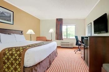 Days Inn & Suites by Wyndham Kansas City South in Kansas City, Missouri