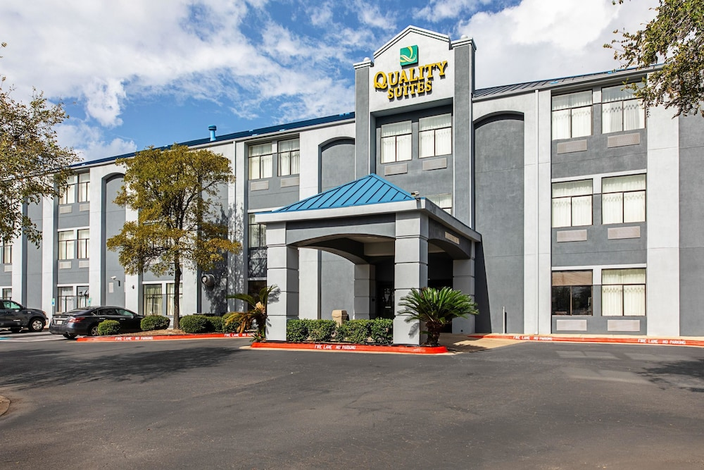 Quality Suites South