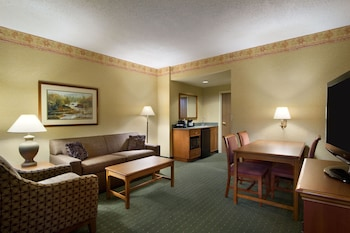 Embassy Suites by Hilton Charleston Airport Convention Ctr