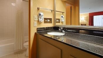 Best Western Flagship Inn - Bathroom  - #0