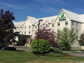 Holiday Inn Express Suites Lincoln East White Mountains