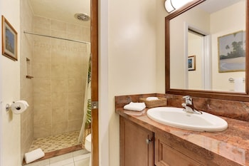 Castle Kona Bali Kai , a Condominium Resort - Bathroom  - #0
