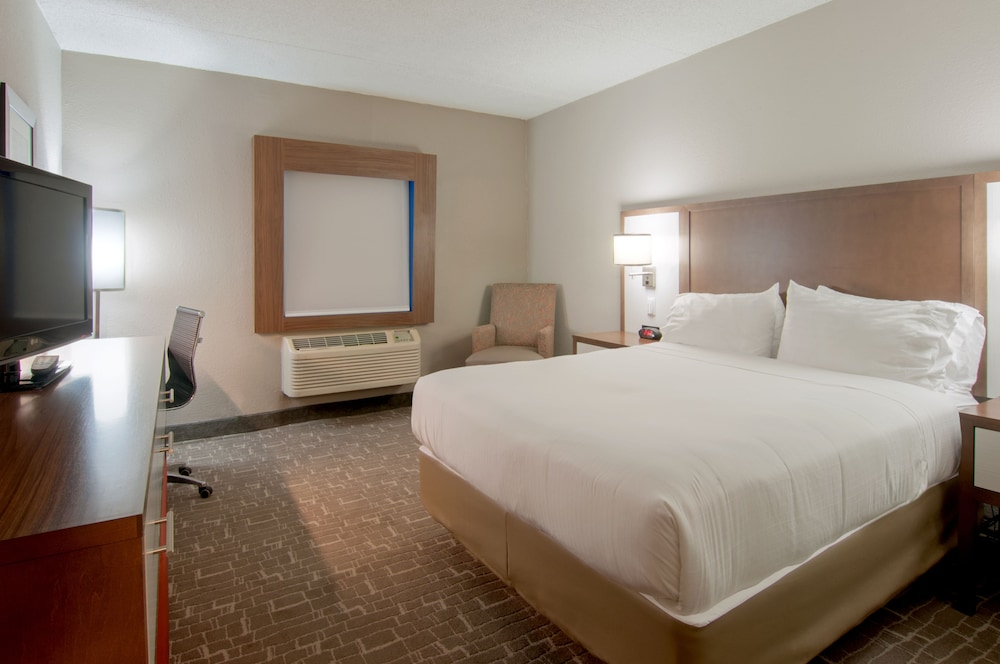 Holiday Inn Express Hotel & Suites Spence Lane