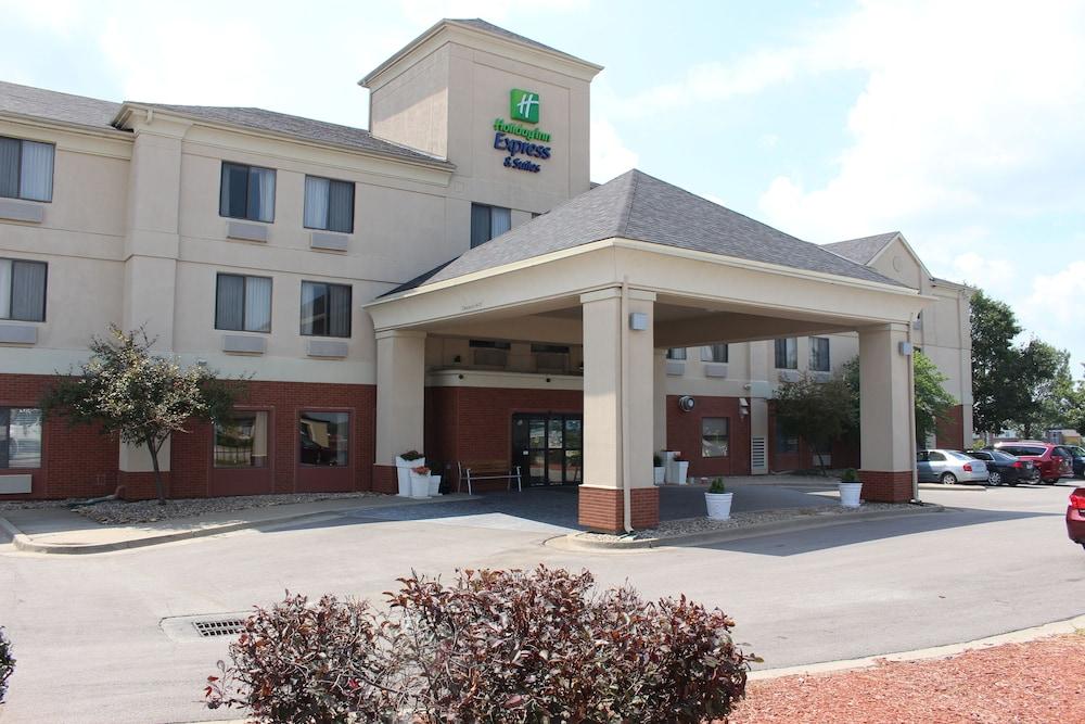 Holiday Inn Express Kansas City-Liberty
