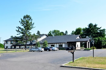 AmeriVu Inn and Suites - Hayward WI in Hayward, Wisconsin
