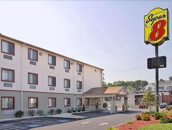 Super 8 by Wyndham York in York, Pennsylvania