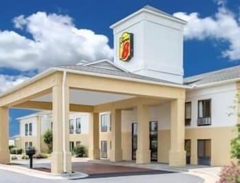 Super 8 by Wyndham Clemmons/Winston-Salem Area in Clemmons, North Carolina