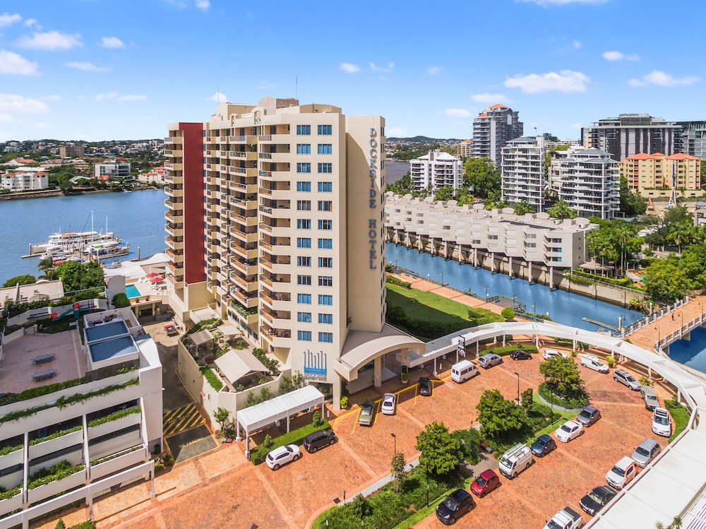 Central Dockside Apartment Hotel
