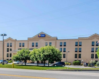 Comfort Inn & Suites in York, Pennsylvania