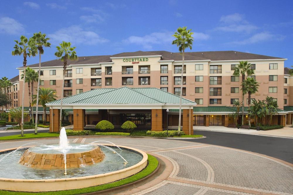 Courtyard Orlando Lake Buena Vista in the Marriott Village