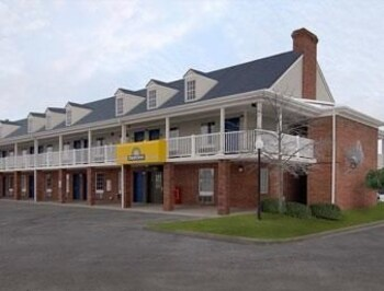 Days Inn - Auburn