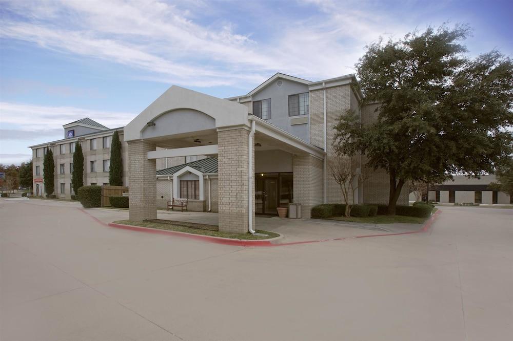 Americas Best Value Inn - Addison/Dallas