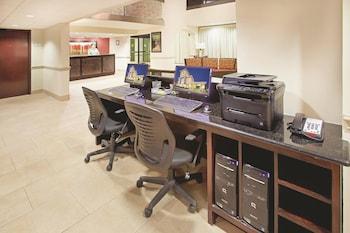La Quinta Inn & Suites Dallas I-35 Walnut Hill Lane - Business Center  - #0