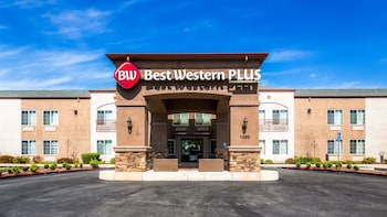 Best Western Plus Twin View Inn & Suites in Redding, California