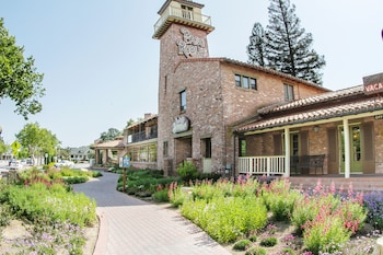 Photo for Paso Robles Inn in Paso Robles, California