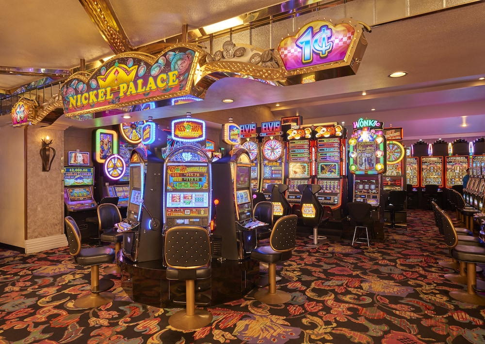Four Queens Hotel And Casino Las Vegas Hotel Price Address Reviews
