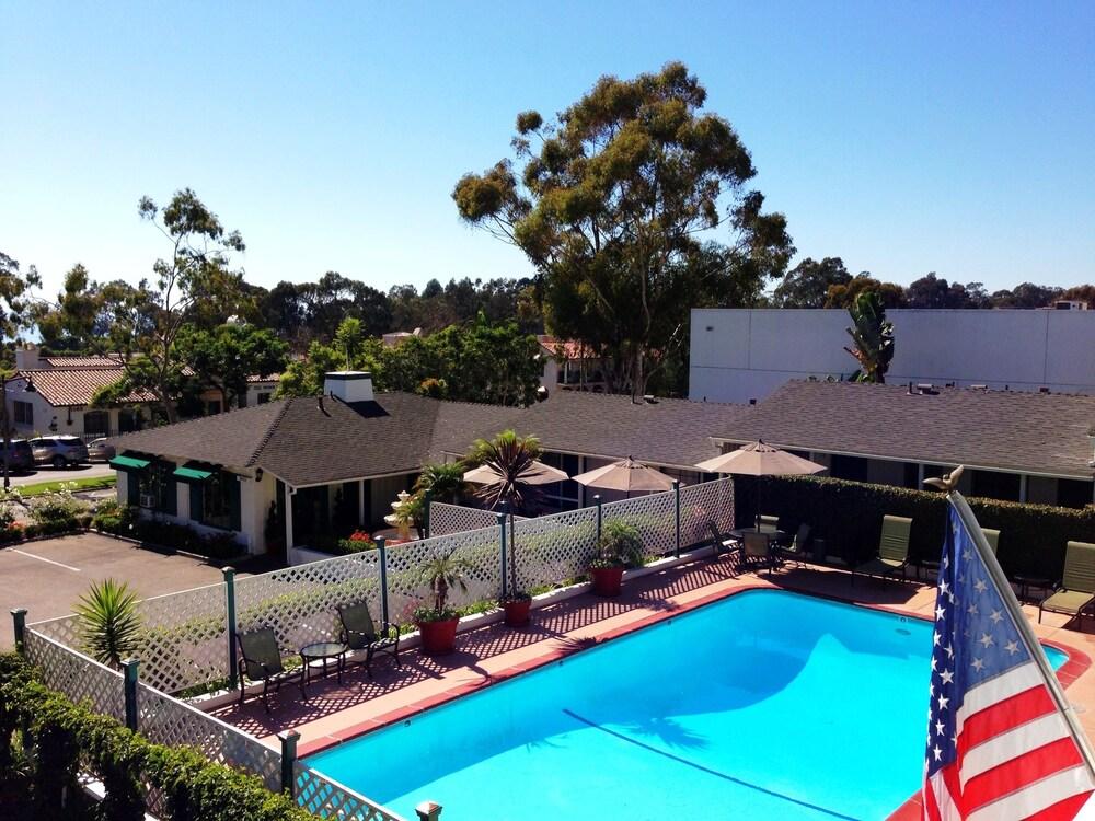 Coast Village Inn - Santa Barbara