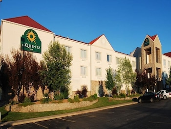 Affordable La Quinta Inn Springfield East With Find Hotels Near An Address