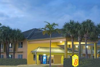 Super 8 by Wyndham Dania/Fort Lauderdale Arpt in Dania Beach, Florida