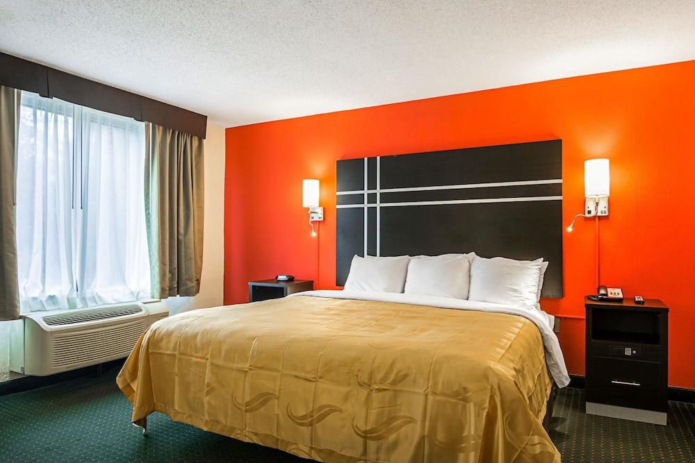 Quality Suites Atlanta Airport East