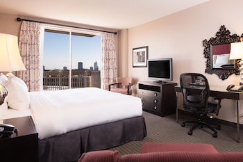 DoubleTree by Hilton Raleigh - Brownstone - University - Guestroom  - #0