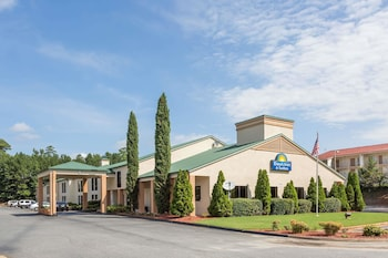 Days Inn & Suites by Wyndham Norcross in Norcross, Georgia