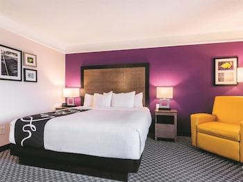 La Quinta Inn & Suites Shreveport Airport - Featured Image  - #0