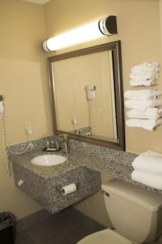 GrandStay Hotel & Suites - Bathroom  - #0