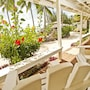 Manuia Beach Resort photo 37/38