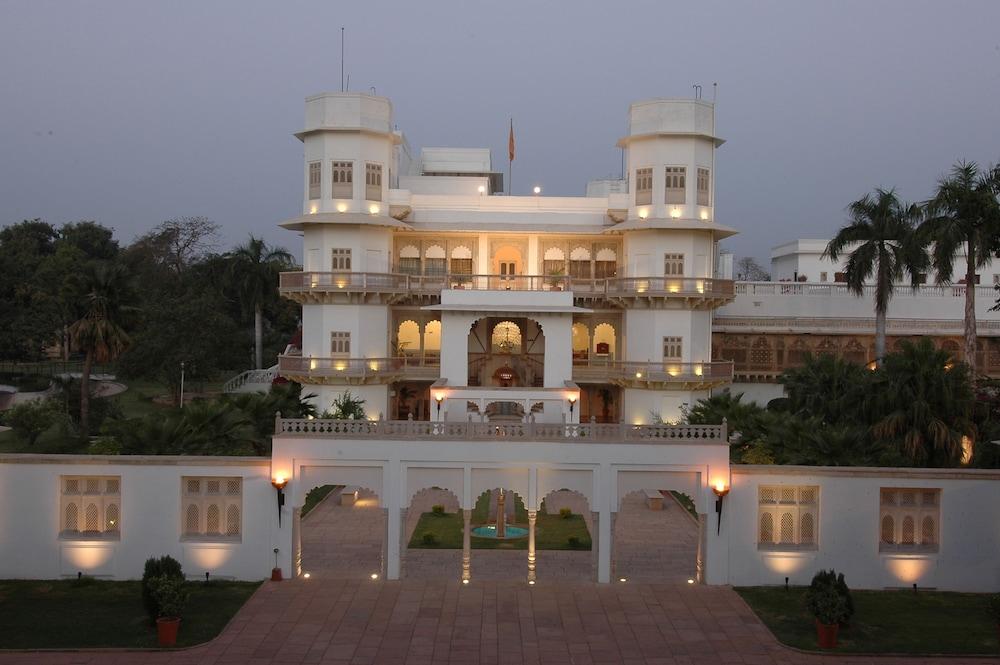 Taj Usha Kiran Palace Hotel