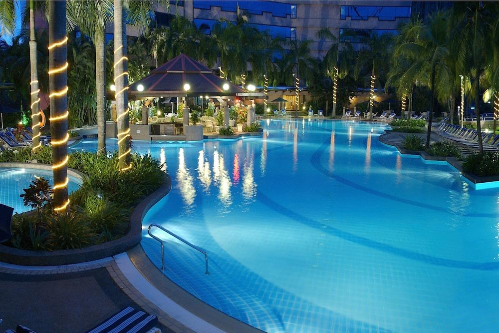 Renaissance Kuala Lumpur Hotel, Kuala Lumpur 𝐇𝐃