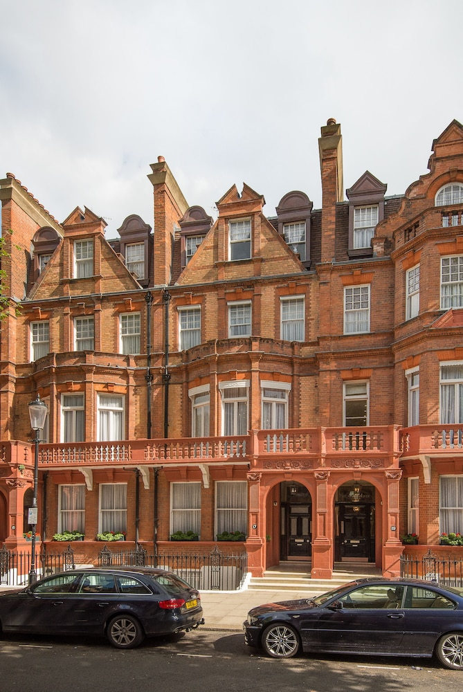 The Apartments by The Sloane Club