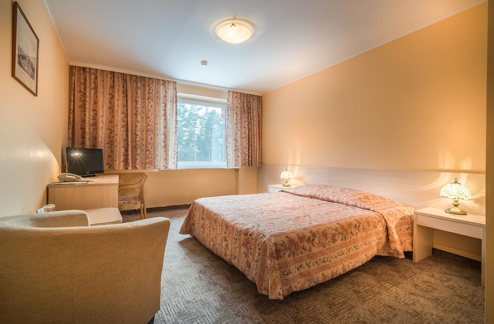 Karolina Park Hotel & Conference Center