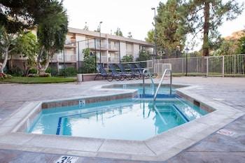 Oakwood at Toluca Hills - Outdoor Pool  - #0