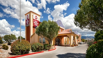 Best Western Plus Executive Suites in Albuquerque, New Mexico