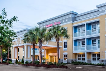 Comfort Suites at Isle Of Palms Connector in Mount Pleasant, South Carolina