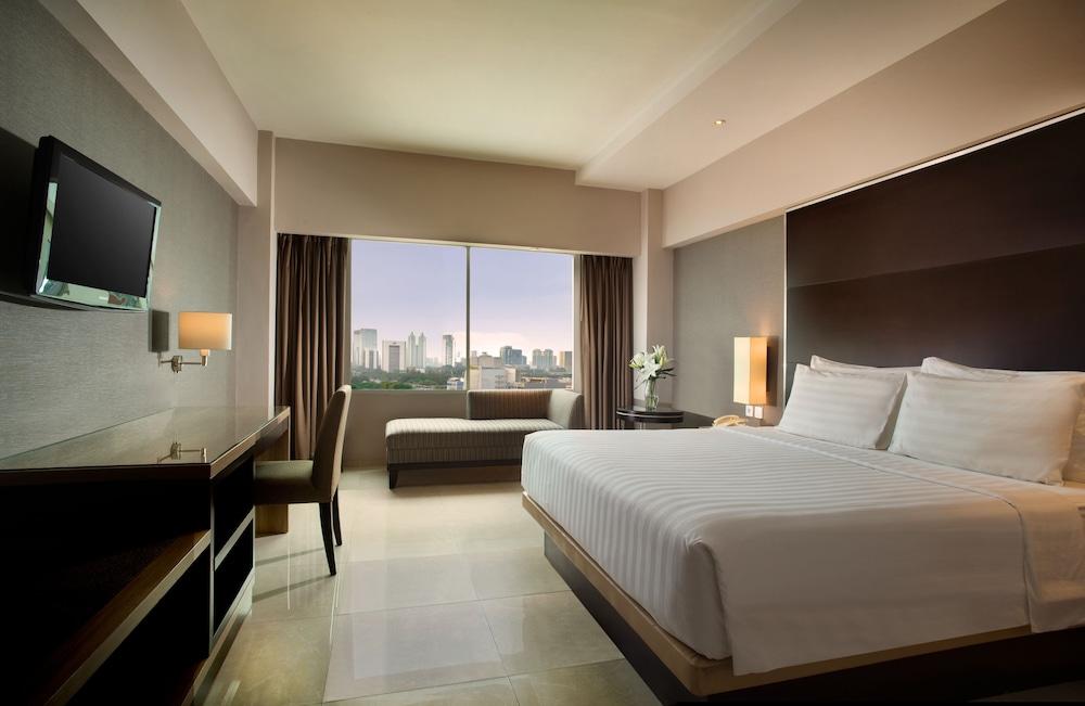 Hotel Santika Premiere Slipi Jakarta, Jakarta @INR 3364 OFF