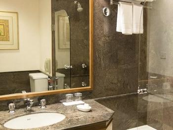Trident, Cochin - Bathroom  - #0