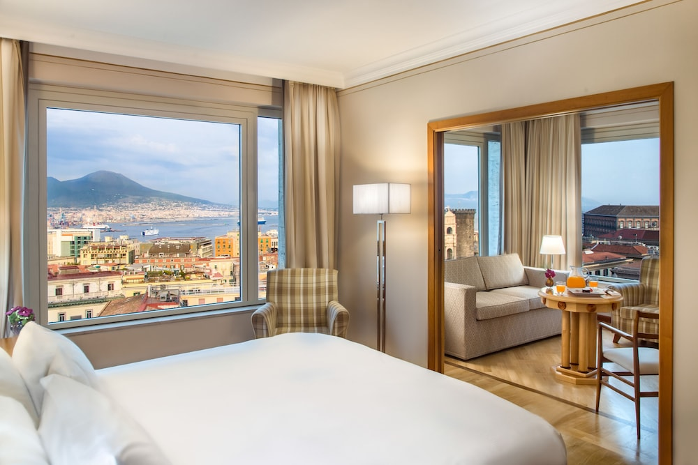 Renaissance Naples Mediterraneo