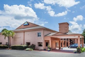 Days Inn by Wyndham Columbia in Columbia, South Carolina