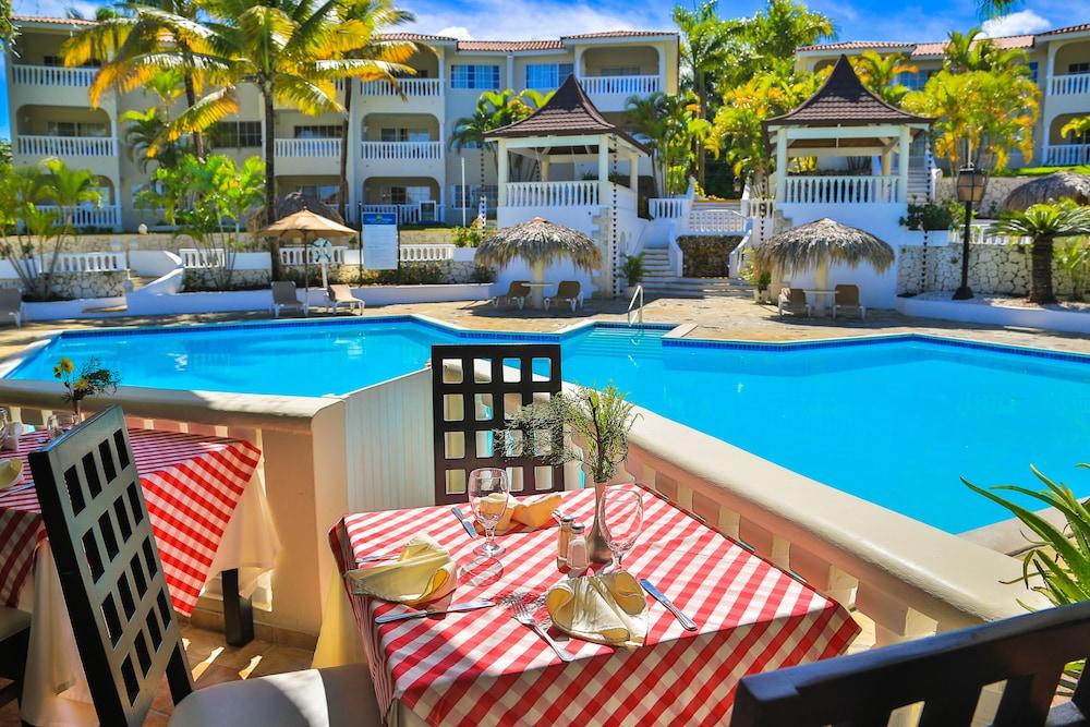 Lifestyle Tropical Beach Resort Spa