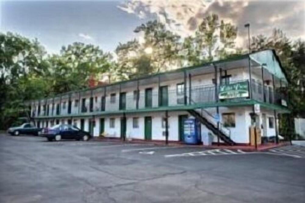 Lake View Inn