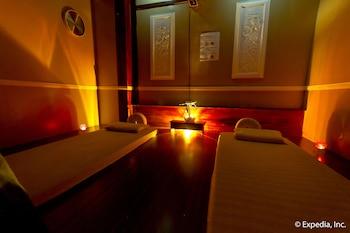 Waterfront Airport Hotel Cebu Treatment Room