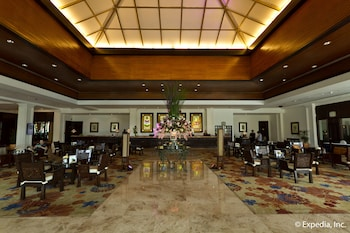 Waterfront Airport Hotel Cebu Lobby